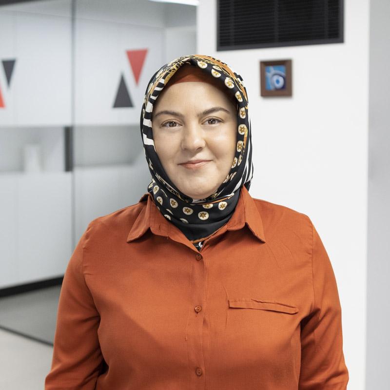 Gülhan Manuoğlu (1979)